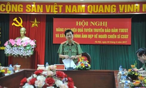 Trung tướng Nguyễn Văn Sơn nhấn mạnh Cục CSGT và các Vụ, Cục có liên quan của Bộ Công an cần tạo điều kiện hỗ trợ tối đa giúp cho các cơ quan Báo chí CAND tuyên truyền hiệu quả về TTATGT, xây dựng lực lượng CSGT chính quy, tinh nhuệ, hiện đại, bản lĩnh, vì nhân dân phục vụ