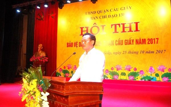Đồng chí Bùi Tuấn Anh, Phó Chủ tịch UBND quận Cầu Giấy phát biểu khai mạc Hội thi