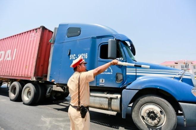 Lực lượng CSGT toàn quốc đã xử lý hàng chục nghìn xe chở quá tải