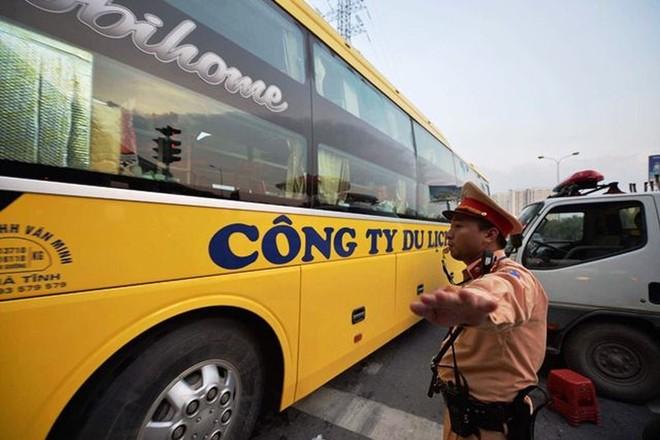 CSGT phân luồng đón người dân về Thủ đô an toàn sau kỳ nghỉ lễ