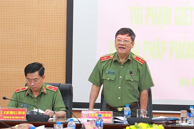 Thiếu tướng, PGS.TS Bạch Thành Định, Chủ tịch Hội đồng lý luận CATP Hà Nội nhấn mạnh vai trò quan trọng trong công tác giáo dục, phòng ngừa các đối tượng