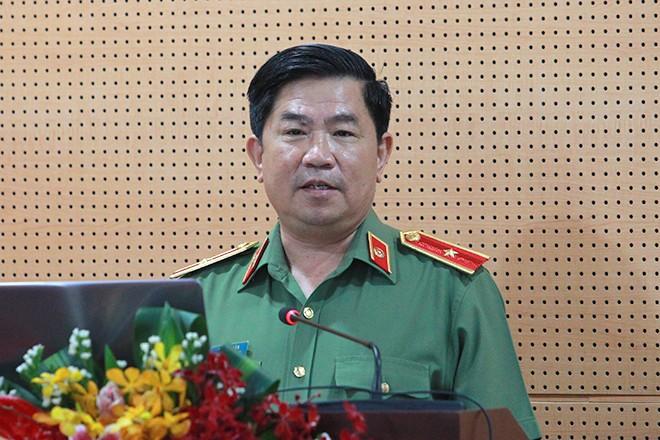 Thiếu tướng, PGS.TS Trần Vi Dân, Giám đốc Học viện Chính trị CAND đánh giá cao CATP Hà Nội trong công tác tổ chức tọa đàm khoa học
