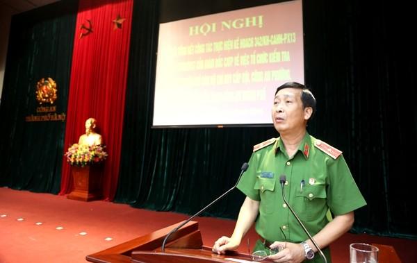 Thiếu tướng GS. TS Nguyễn Văn Nhật, Phó Giám đốc Học viện CSND gợi mở một số biện pháp cho CATP Hà Nội trong công tác kiểm tra, đánh giá chất lượng CBCS