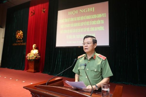 Thiếu tướng Đào Thanh Hải, Phó Giám đốc CATP Hà Nội báo cáo kết quả công tác kiểm tra, đánh giá trình độ của chỉ huy CAP, Đồn, Trạm, Thị trấn...