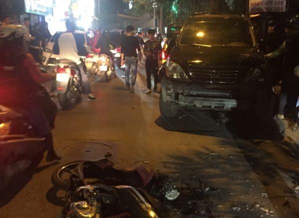 Hiện trường vụ tai nạn khiến nhiều người bị thương
