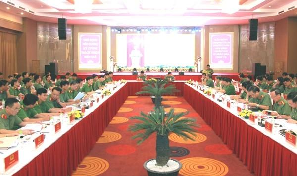 Hội nghị đã dành nhiều thời gian thảo luận, đánh giá những kết quả và giải pháp nhằm nâng cao chất lượng công tác Đảng và công tác chính trị trong Công an nhân dân