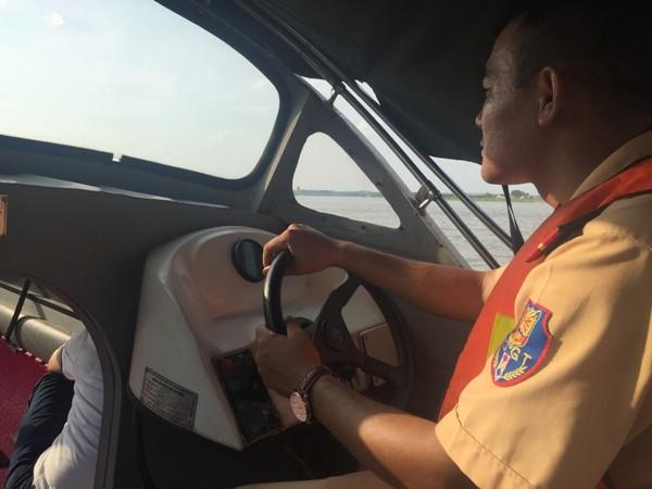 """CSGT đường thủy phải sử dụng những biện pháp nghiệp vụ, kết hợp giữa tuần tra công khai và mật phục để """"săn"""" cát tặc"""