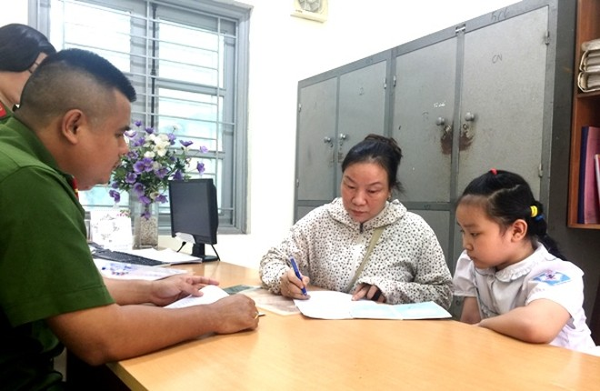 Công tác tiếp dân, cải cách thủ tục hành chính luôn được CAP Mai Dịch triển khai mạnh mẽ, hiệu quả