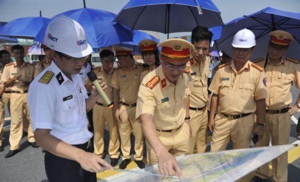 Lực lượng CSGT và Tổng công ty Tân Cảng Sài Gòn tăng cường phối hợp đảm bảo ANTT, TTATGT