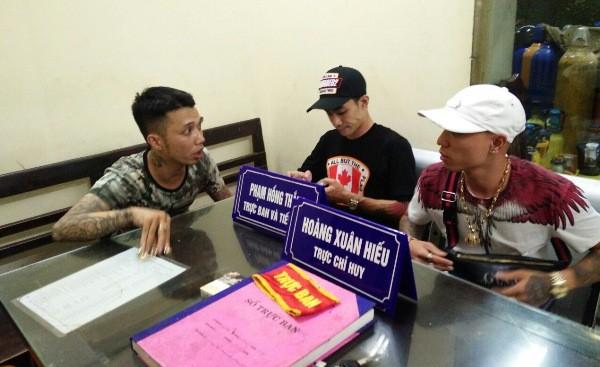 3 đối tượng vi phạm bị CS113 đưa về trụ sở CAP Lý Thái Tổ để lập biên bản xử lý