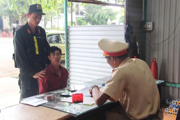 Đối tượng Lý Văn Kiên bị lực lượng Công an bắt giữ