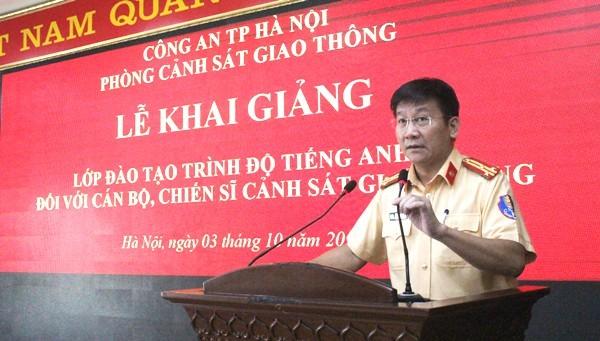 Thượng tá Phạm Văn Hậu, Phó trưởng Phòng CSGT - CATP Hà Nội yêu cầu các học viên thực hiện nghiêm túc các quy định liên quan đến học tập, để có kết quả cao nhất