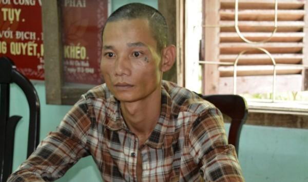 Đối tượng Hùng bị bắt giữ sau khi đâm CSGT