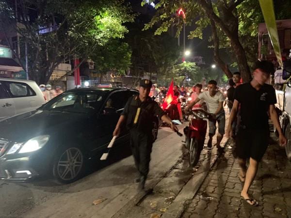 Các thanh thiếu niên có hành vi vi phạm đều bị xử lý nghiêm, tạo thêm sự bình yên trong đêm chiến thắng của đội tuyển