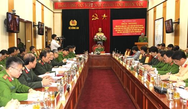 Thiếu tướng - Thứ trưởng Nguyễn Duy Ngọc chủ trì hội nghị