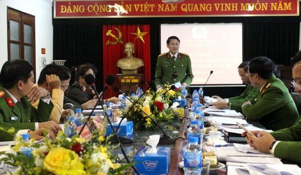 Đại tá Nguyễn Văn Viện, Phó Giám đốc Công an thành phố chỉ đạo tại hội nghị