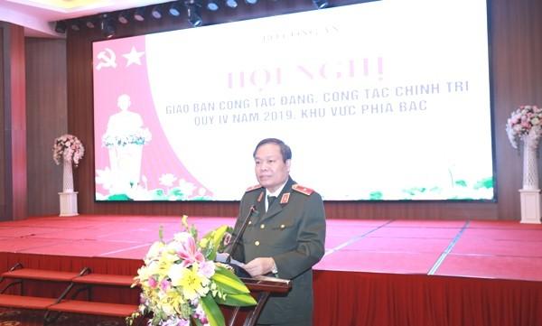 Thiếu tướng Đào Gia Bảo, Cục trưởng Cục Công tác Đảng và công tác chính trị CAND phát biểu chỉ đạo tại hội nghị