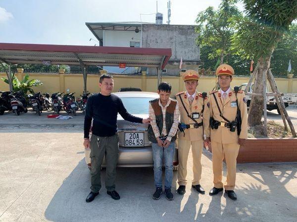 Lực lượng CSGT phát hiện bắt giữ đối tượng tàng trữ ma túy