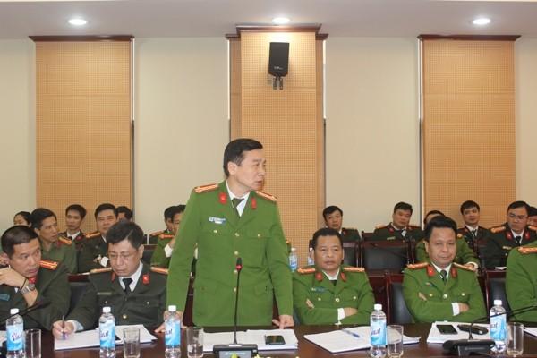Đại tá Nguyễn Bình, Trưởng Phòng CSHS báo cáo những kế hoạch đảm bảo ANTT trong mùa dịch