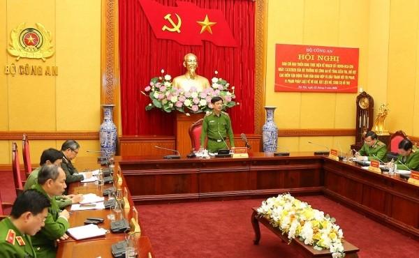 Thiếu tướng Nguyễn Duy Ngọc, Thứ trưởng Bộ Công an phát biểu chỉ đạo buổi làm việc