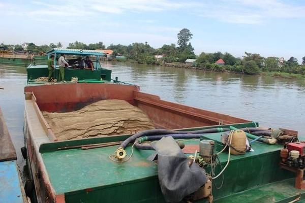Nhiều vụ việc khai thác vận chuyển cát trái phép trên sông Đồng Nai đã bị lực lượng chức năng phát hiện, bắt giữ trong thời gian qua