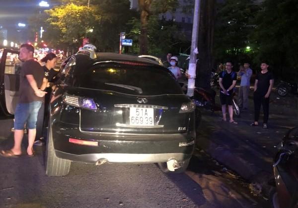 Nạn nhân tử vong trên chiếc xe ôtô ở phố Trung Hòa và không có dấu hiệu của sự cậy phá, trộm cắp tài sản trong xe ôtô