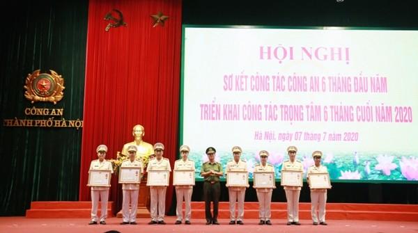 Các tập thể, cá nhân được trao tặng Huân chương Chiến công, Huân chương bảo vệ Tổ quốc