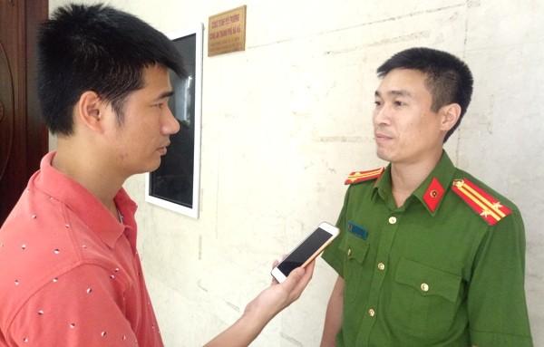 Trung tá Tạ Huy Giang, Trưởng CAX Tiền Phong, huyện Thường Tín thông tin kết quả 6 tháng đảm bảo ANTT trên địa bàn xã