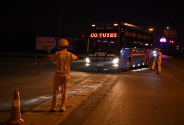 Lực lượng CSGT tăng cường kiểm tra, kiểm soát nhằm kịp thời phát hiện xử lý tình trạng nhập cảnh trái phép trên các tuyến đường