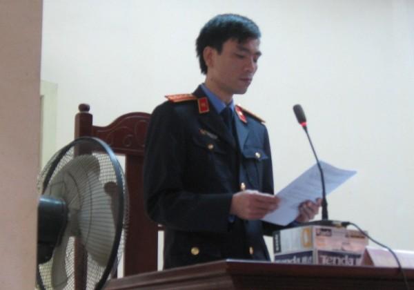Đại diện VKSND tỉnh Bắc Giang luận tội bị cáo Lý Nguyễn Chung tại phiên tòa