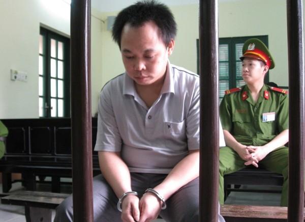 Đối tượng khống chế con tin phải chịu hình phạt đích đáng ảnh 3