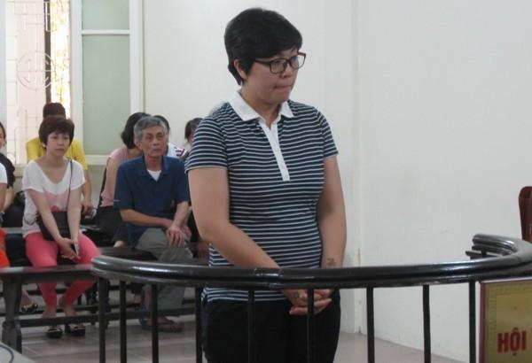 Chủ đại lý vé máy bay Phạm Diễm Hồng tại phiên tòa