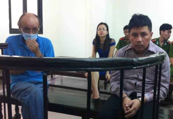 Hai đối tượng người nước ngoài trộm cắp tài sản tại phiên tòa