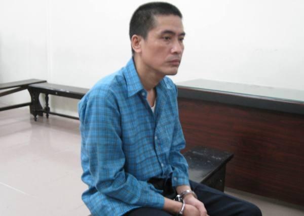 Sau cuộc cãi lộn, bảo vệ tại ngân hàng Nguyễn Hợp Lý đã đâm chết cậu vợ và cũng là đồng nghiệp.