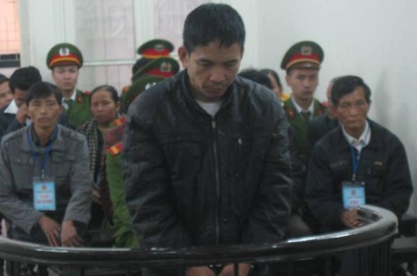 Mâu thuẫn trong lúc đánh bạc, Cao Văn Cối đã dùng dao đâm chết thanh niên cùng thôn