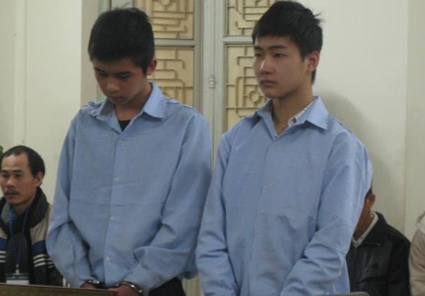Lê Văn Hướng và Đào Ngọc Anh tại phiên tòa