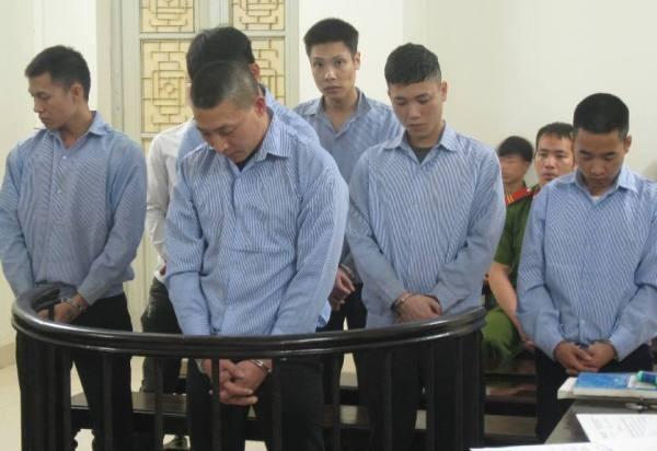 Ổ nhóm cưỡng đoạt tài sản tại Bến xe Mỹ Đình đứng nghe tòa tuyên án