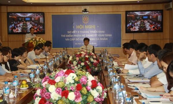Thứ trưởng Bộ Tư pháp - Nguyễn Khánh Ngọc chủ trì buổi sơ kết, tại đầu cầu Hà Nội