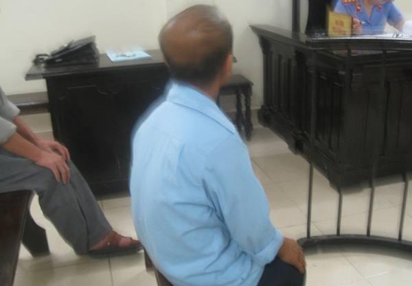 Bị cáo Đào Văn Nghệ khi tòa vào nghị án