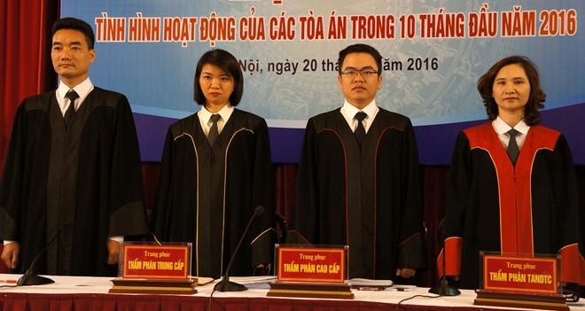 Các mẫu trang phục mới sẽ được các thẩm phán mặc khi xét xử hoặc giải quyết vụ án