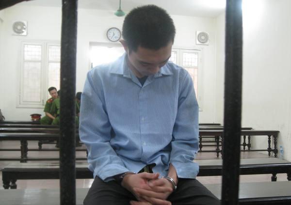 Lê Ôn Tùng - đối tượng sát hại cụ ông dã man bị đưa ra xét xử