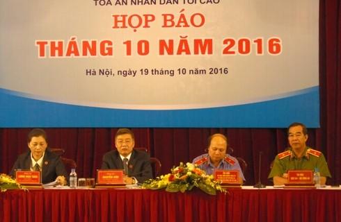 Đại diện ba ngành nội chính tại cuộc họp báo