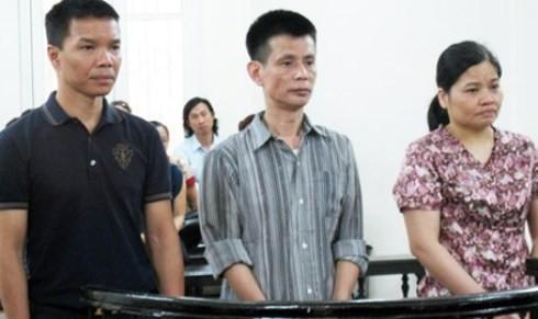 Lê Thị Kim Oanh cùng đồng phạm tại phiên tòa