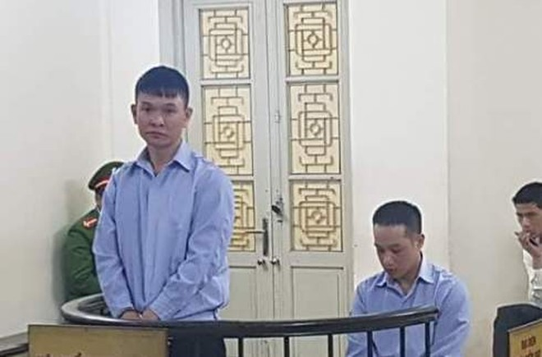 Hai đối tượng buôn ma túy bị đưa ra xét xử tại tòa