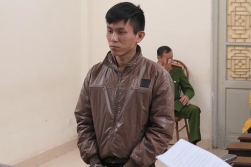 """""""Siêu trộm"""" Lê Văn Hoàn bị đưa ra tòa xét xử"""