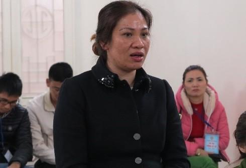"""""""Siêu lừa"""" Lưu Thị Hoàng Mai tại phiên tòa"""
