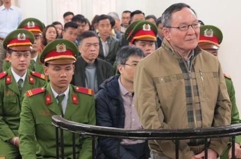 Bị đưa ra tòa xét xử, Trần Văn Khương - cựu Kế toán Vinashinlines