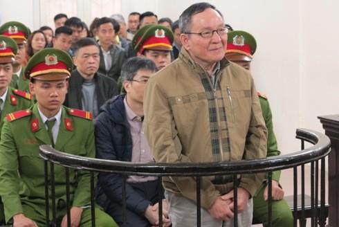 Cựu kế toán trưởng Vinashinlines - Trần Văn Khương tại phiên tòa