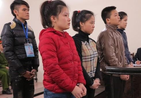Các bị cáo bị đưa ra xét xử tại phiên tòa