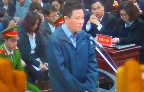 Cựu Chủ tịch HĐQT Oceanbank - Hà Văn Thắm tại phần kiểm tra căn cước